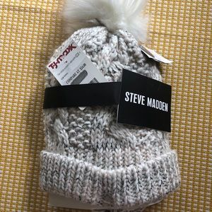 NWT Steve Madden Winter Beanie and Mittens